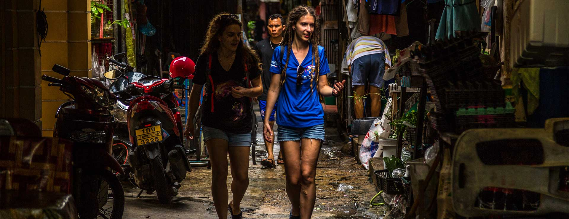 bangkok amulet market