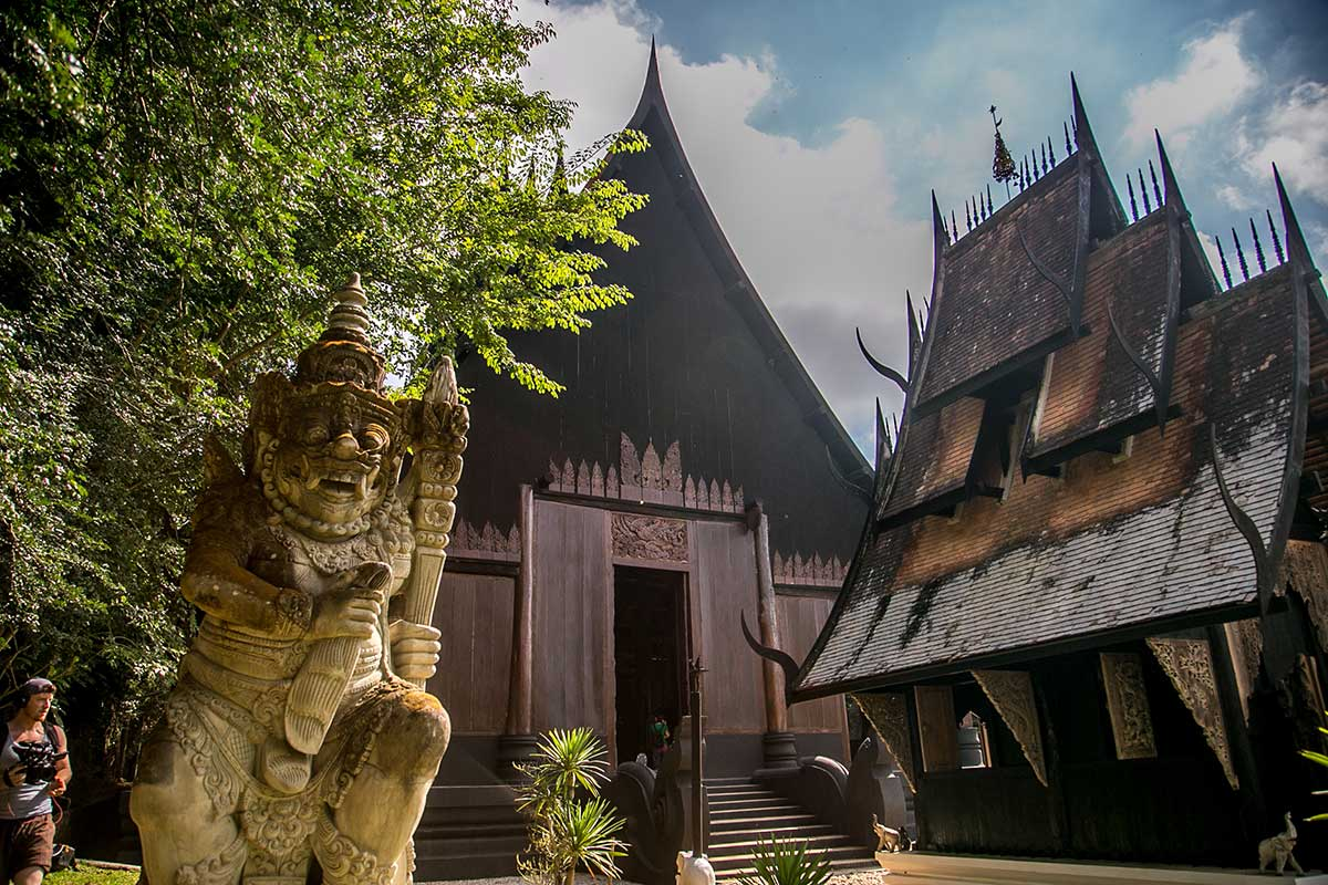 chiang rai weird black house