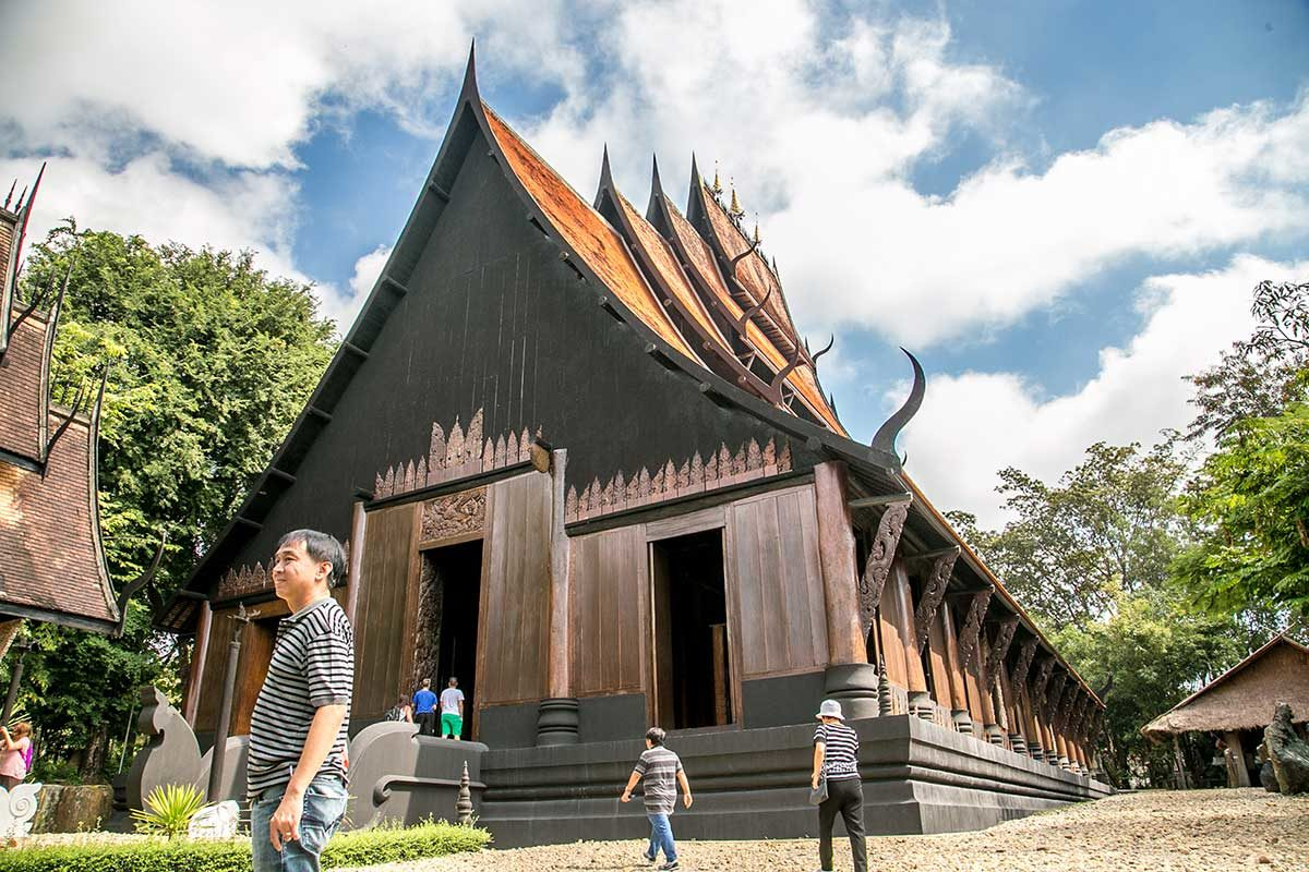 Chiang Rai's Black Temple: If Buddha Walked into a Bar…