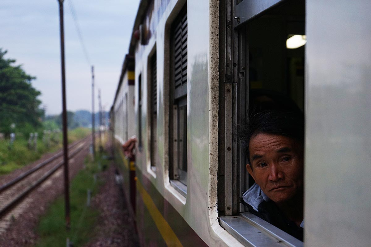 riding third class trains thailand