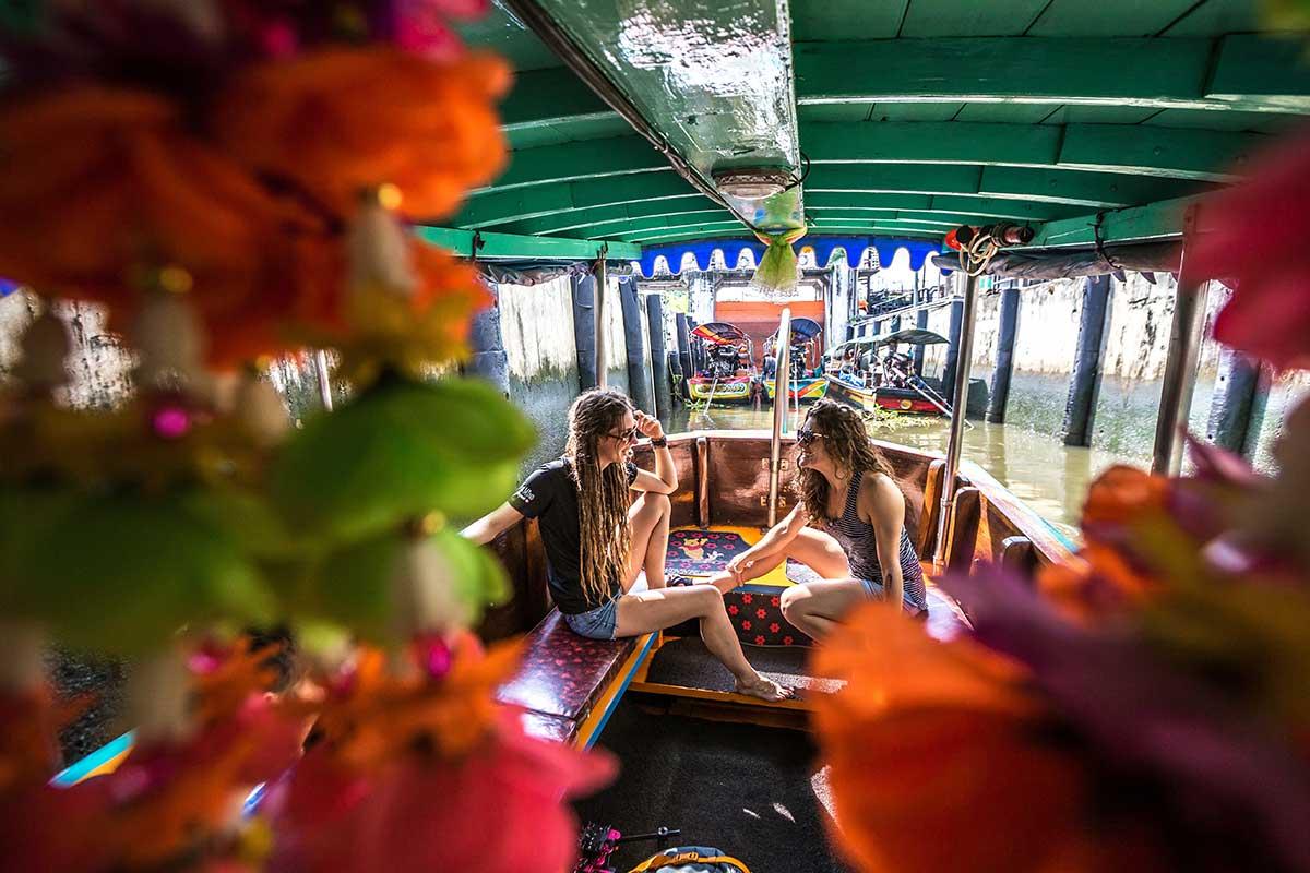 river longtail boat bangkok