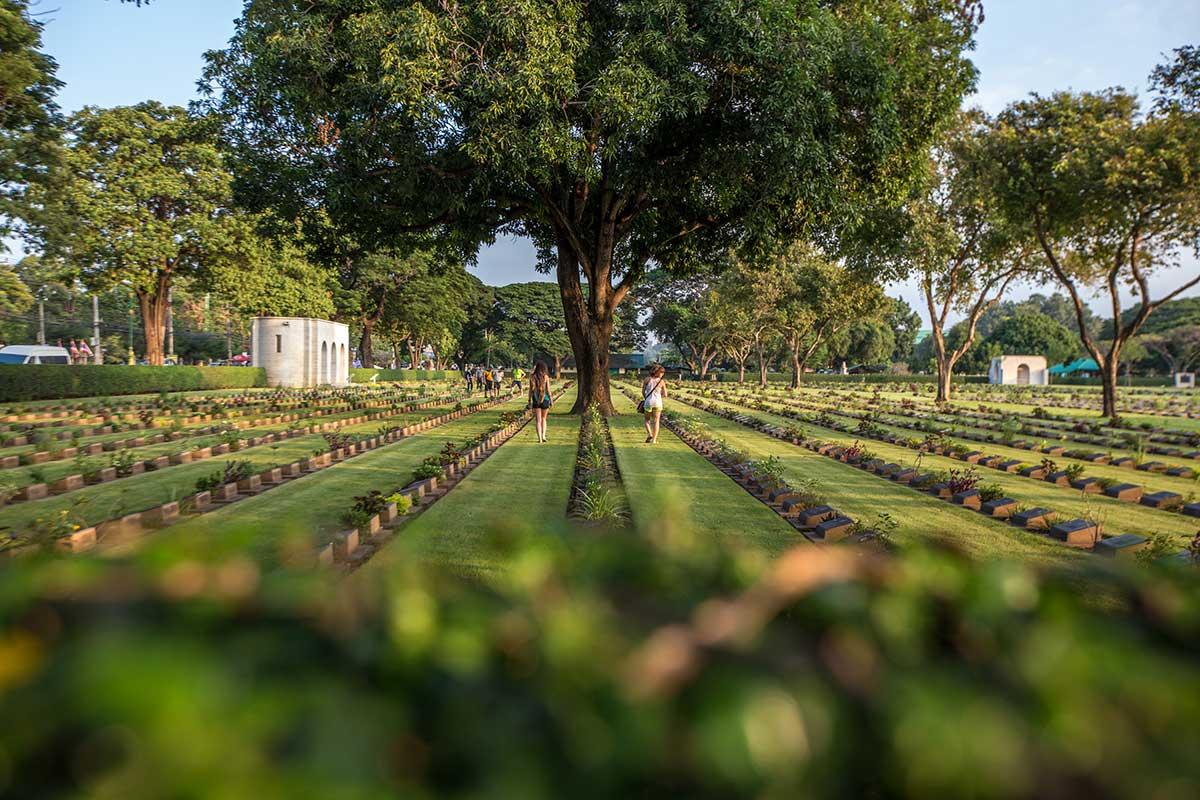 kanchanaburi ww2 war cemetery