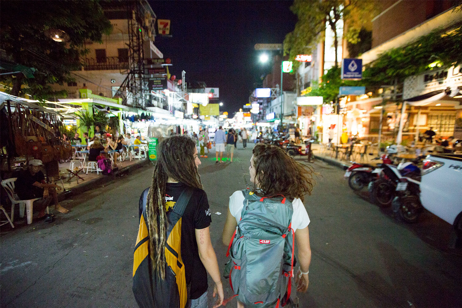 Different, Different but Same: Finding a New Experience at the Lampang Market
